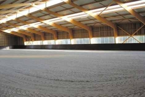 EN - 35 MN FAR FROM PARIS AND 1H20 FRON DEAUVILLE -  STUDS - 8,7 HA
